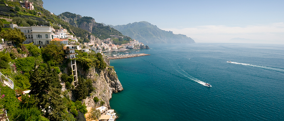 Your escorted tour of Italy will pass you through the popular coastal cliffs and Alps mountains.