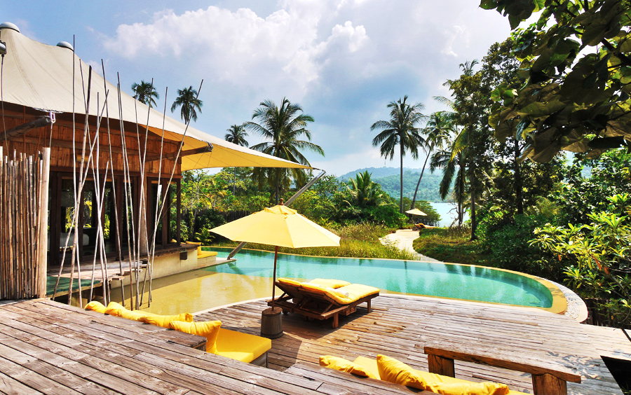 Private-Villas-with-a-Beach-View-Luxury-Travel-Ker-Downey