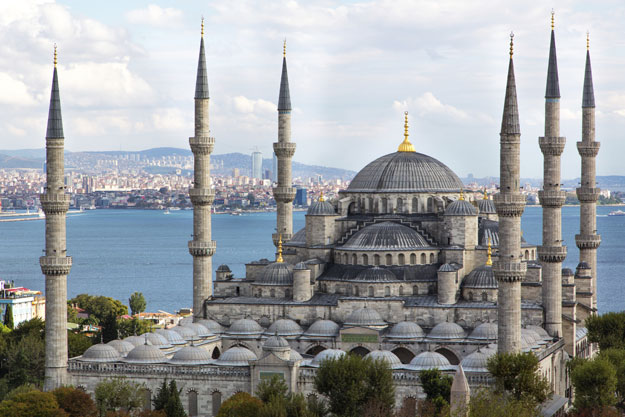 Layover in Istanbul | Turkey | Luxury Istanbul Travel | Ker Downey | Blue Mosque