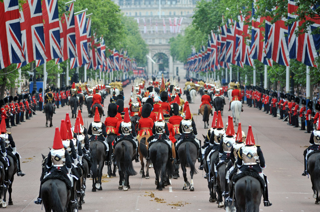 Royal Experiences - Queen's Birthday Celebrations - Luxury London Travel - Ker Downey