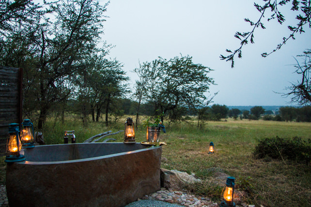 Bathtubs with a View - Luxury Safari - Ker Downey