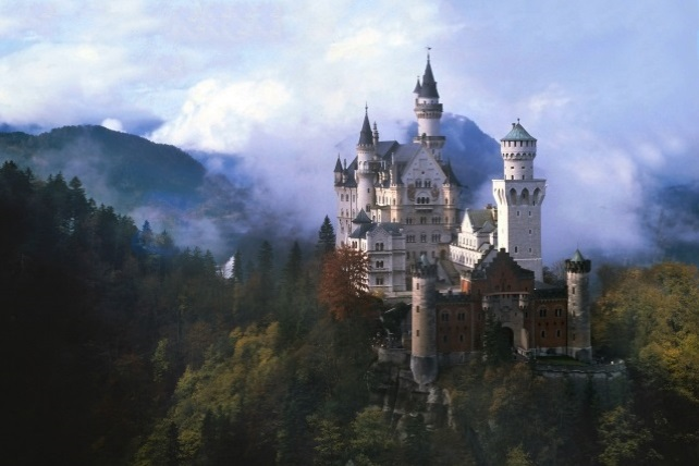 Fairytale-Castles-and-Palaces -Travel-Fit-for-a-Queen-Ker-Downey