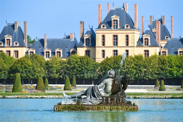 Chateaux of France - Loire Valley River Cruise – Ker & Downey-Fountainebleau