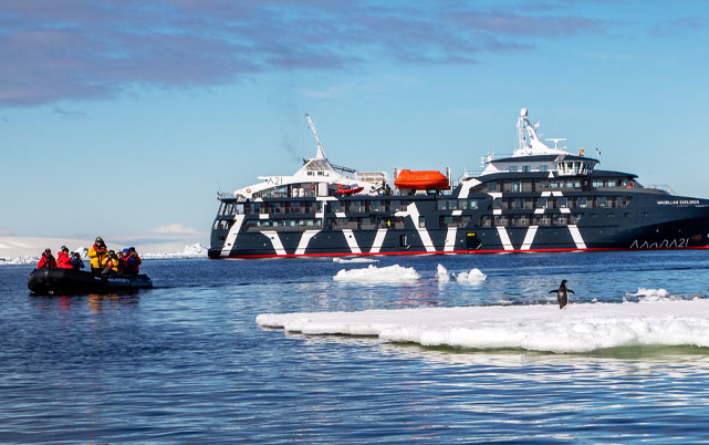 Luxury-Travel-to-Antarctica-on-a-Ker-&-Downey-Fly-Cruise-Adventure
