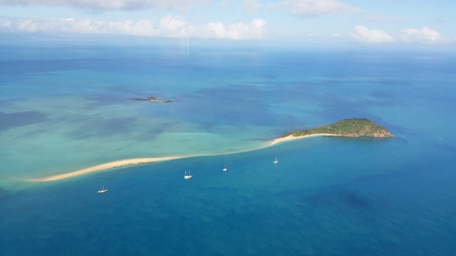 Great Barrier Reef - private yacht - luxury Australia